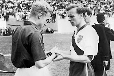 England captain Billy Wright and USA captaian (and Scottish-born) Ed Mcilvenny before the game