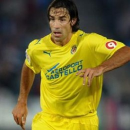 Robert Pires in talks with Union