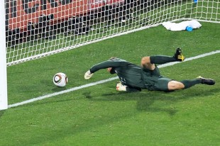 U.S. ties England 1-1