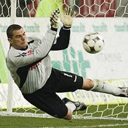 Colombian Keeper Mondragon to Philly?