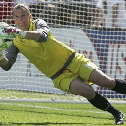 USWNT goalkeeper Barnhart signs with Independence