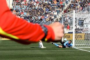 Union top SA rankings, praise for Farfan and Okugo