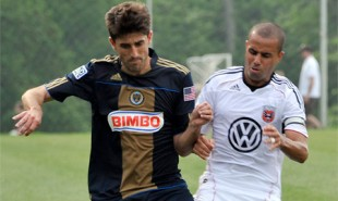 Union sign Paunovic