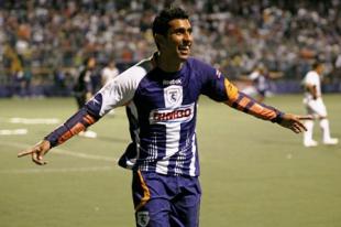 Union acquire Josue Martinez