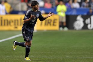 Carlos Valdes likely isn't coming back, at least before the World Cup. (Photo: Earl Gardner)