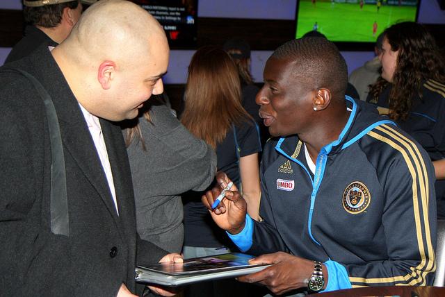Bakary Soumare checking the spelling