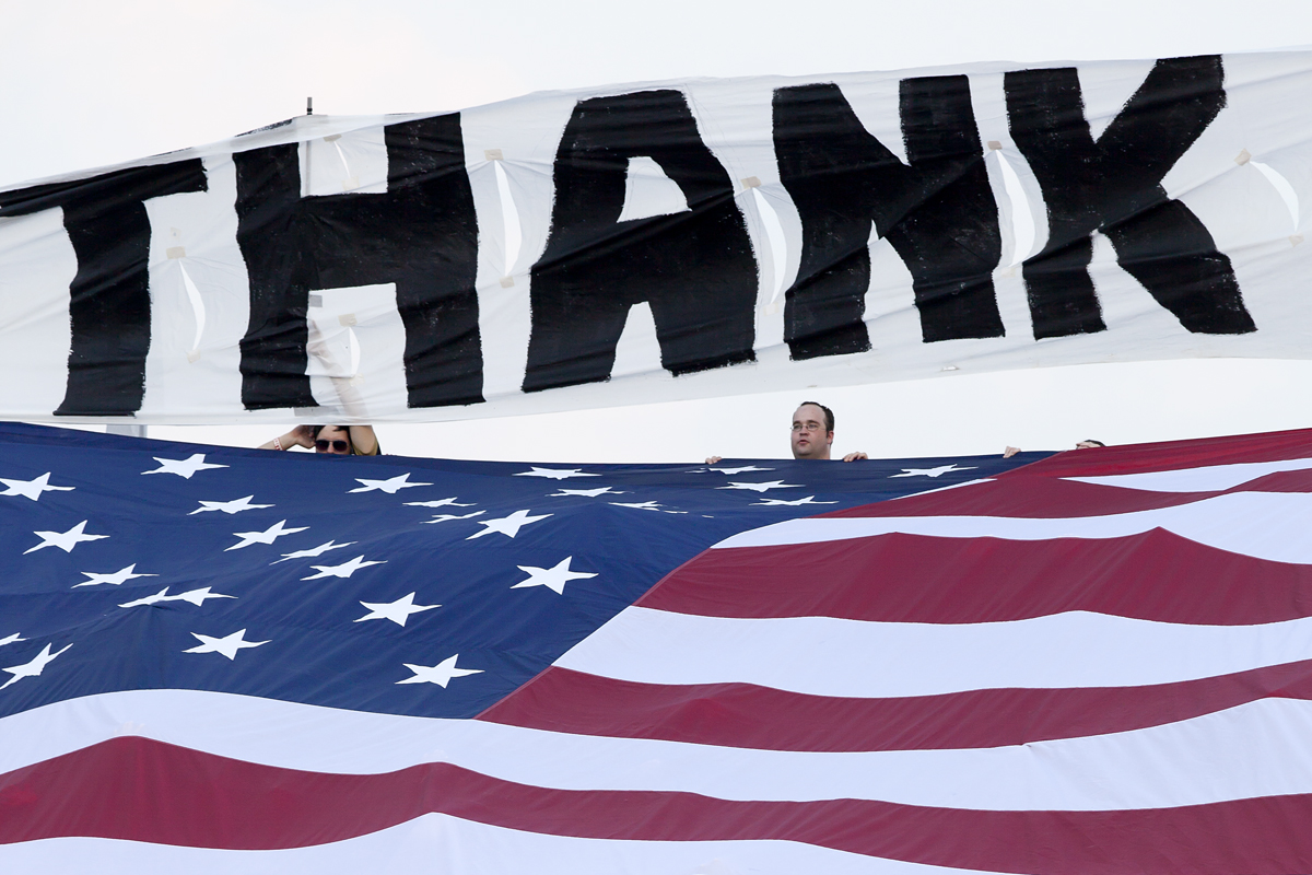 Fans, Flag