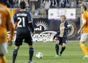 News from Hack presser, DC injuries, Carroll's 300th, change needed before another US WC bid, more