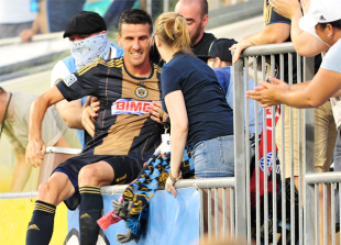 Le Toux's return, Wenger's rise, Curtin's future