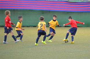 Continental FC's Ethan Manzella at the FCBEscola International Tournament