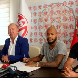 Mbolhi signs with Turkish side Antalyaspor