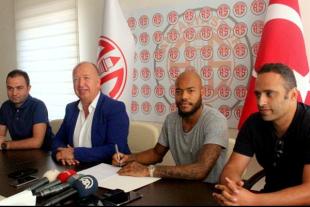 Mbolhi signs with Turkish side Antalyaspor