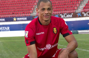 Union acquire Brazilian center back Anderson Conceição on loan