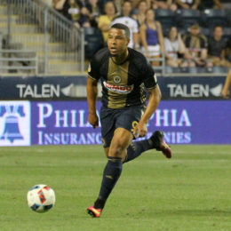 Union re-sign Charlie Davies
