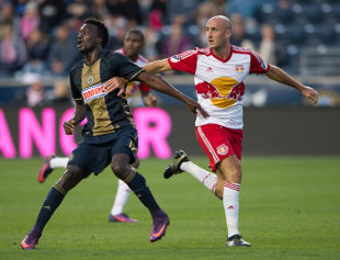 Union sign veteran defender Aurelien Collin