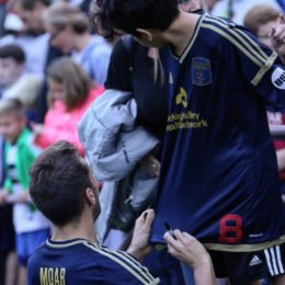 Santi Moar embraces the fans after a grueling 1-1 draw.