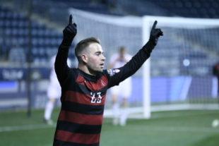 Stanford roll over Akron 2-0 to reach the College Cup final