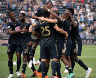 News roundup: Union apparently scouting Balotelli, team awards and MLS Cup final match set
