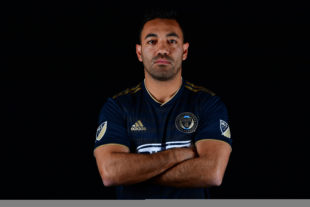 Breaking: Union sign Marco Fabian
