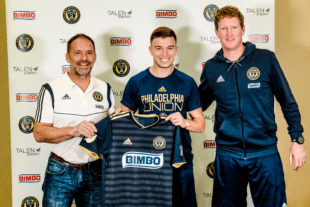 Union sign left back Kai Wagner