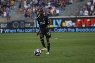 Monteiro plays me a pass