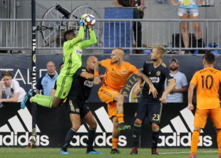 News roundup: Union lose, Americans abroad, LAFC already playoff bound