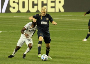 News roundup: Union vs Revs tonight, MLS weekend action, Premier League wild results