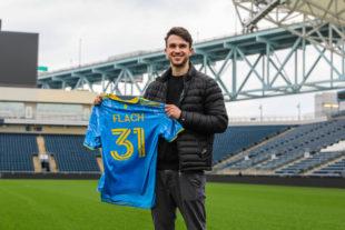 Union sign U.S. youth international Leon Flach