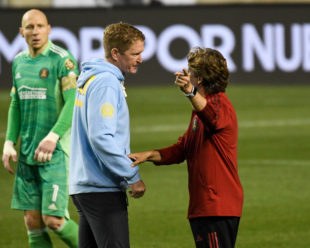 Gabriel Heinze expresses his displeasure with the way he felt the Union played the game. Jim Curtain listens but eventually has enough and puts Heinze in his place.