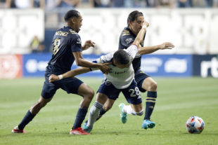 News roundup: Union draw Chicago, USMNT beat Mexico, USWNT lose to Canada